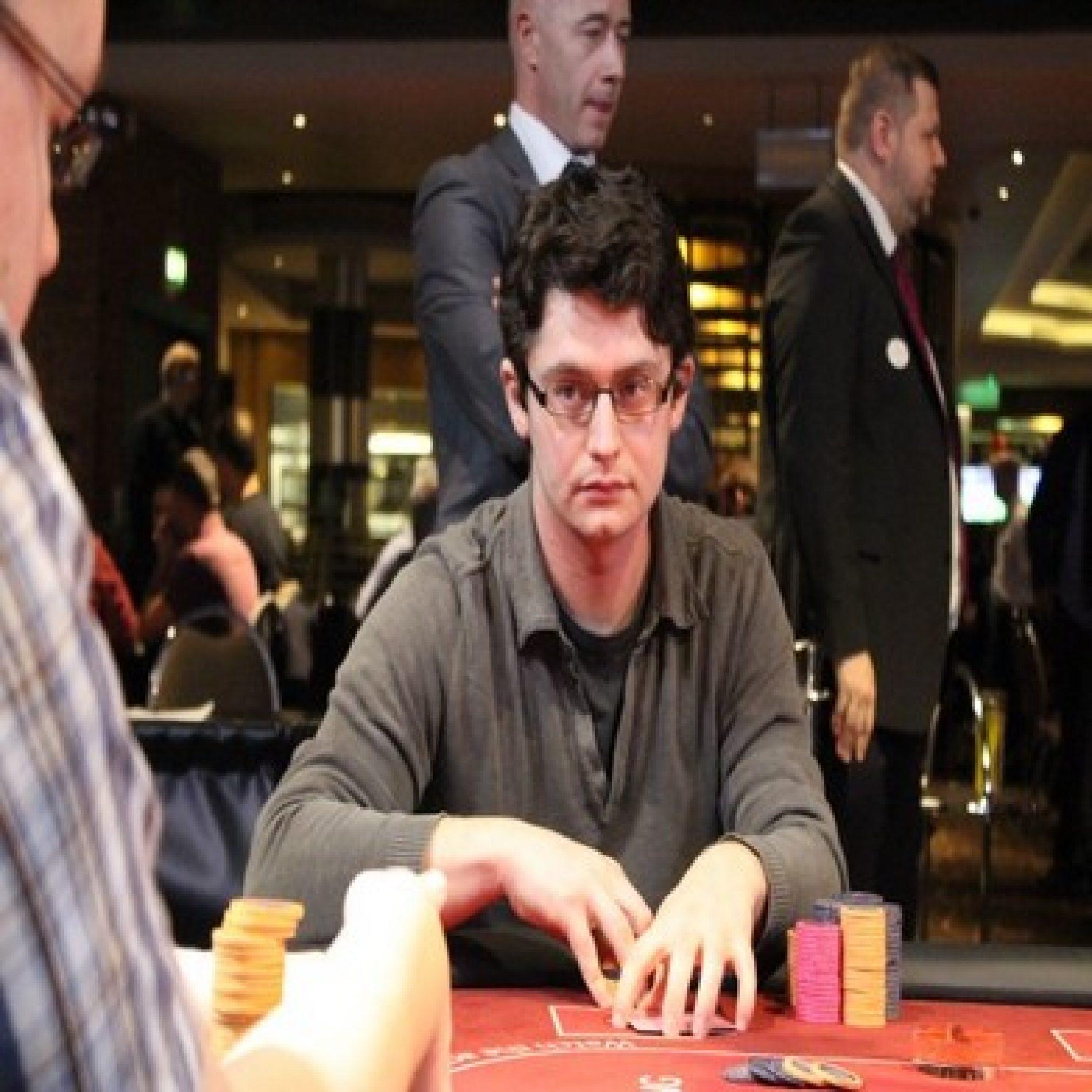 Les tells au poker : comment les déceler
